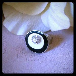Vintage Oval-Shaped Black & White Enamel Ring